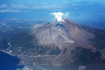桜島 熊本地震 爆発的噴火 噴煙 4000m.jpg